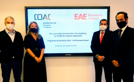 Els representants del COAC i d'EAE Business School signen el conveni